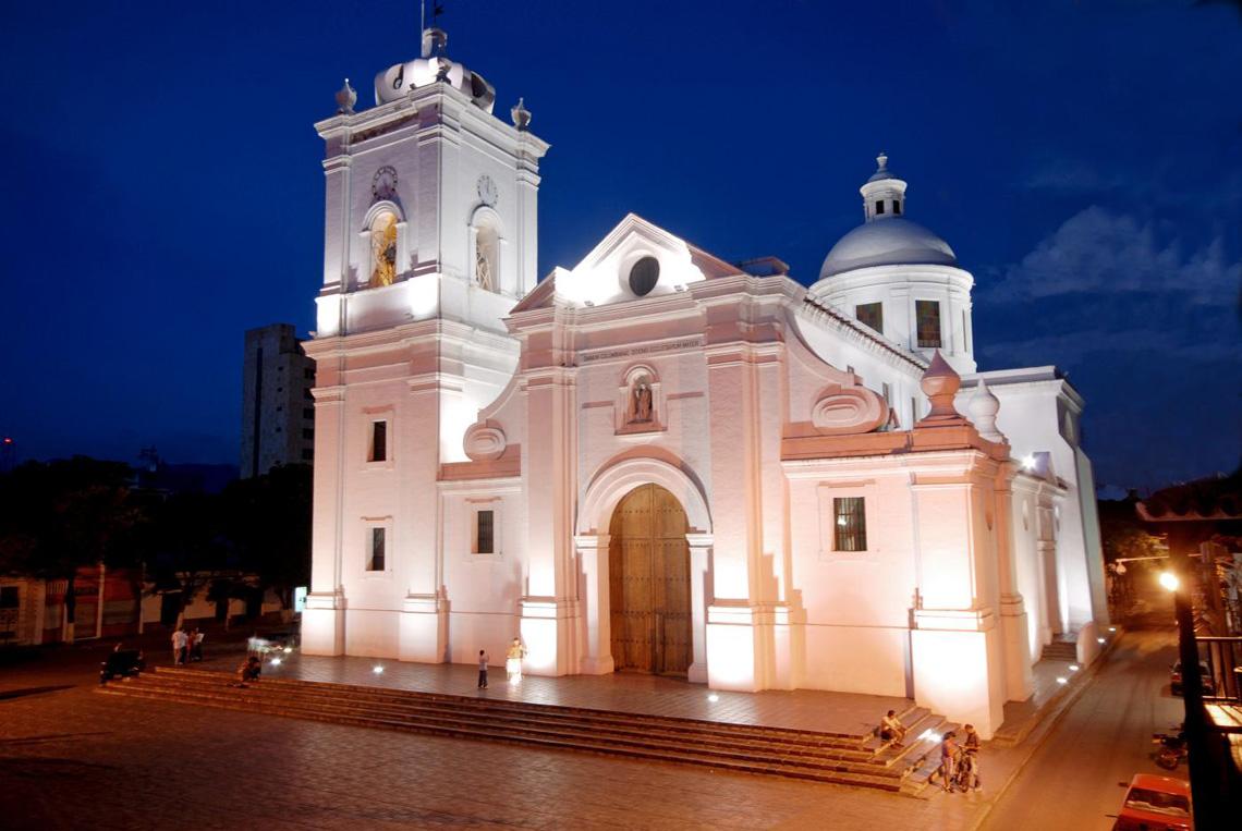 Witte Kerk Santa Marta