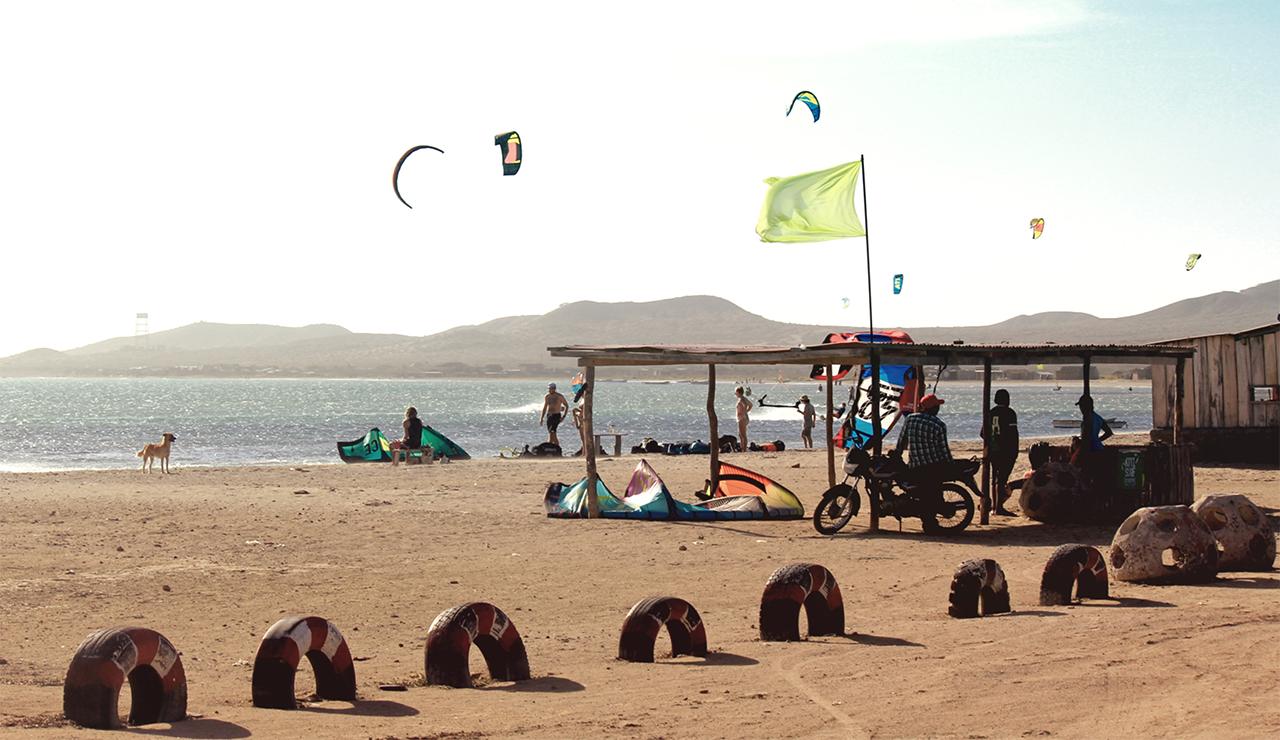 Cabo de La Vela Colombia kitesurfers
