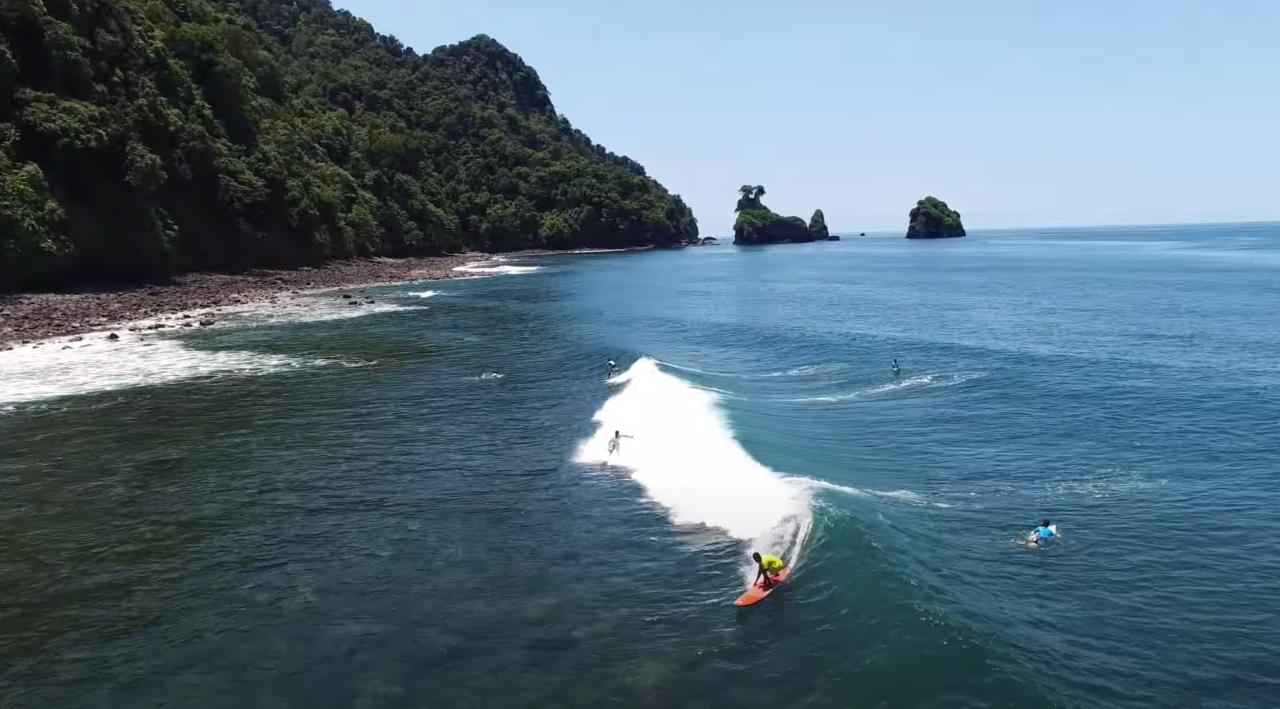 Playa Guachalito surfen